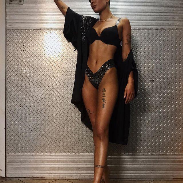 Halsey nude pics sexy bikini hot looking photos