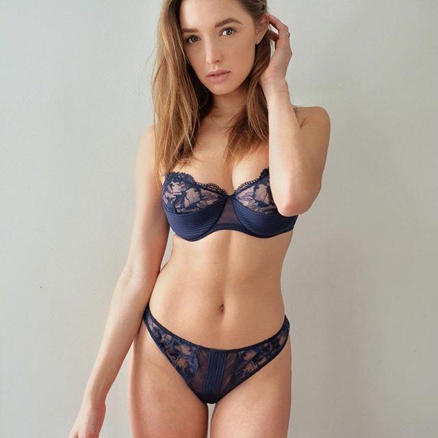 model Alyssa Arce nude pics and sexy instagram bikini pics