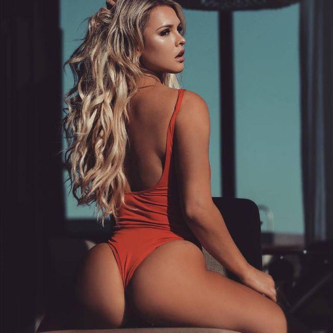 instagram model Kinsey Wolanski hot photos sexy bikini pics