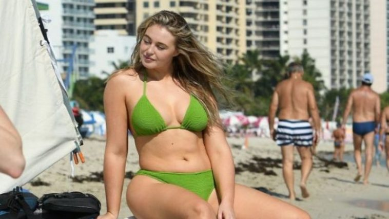 32 Hottest Reason to Love Iskra Lawrence Bikini Looks
