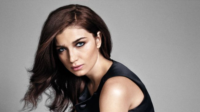 Eve Hewson is one of the Young Actresses You'd Love to Date