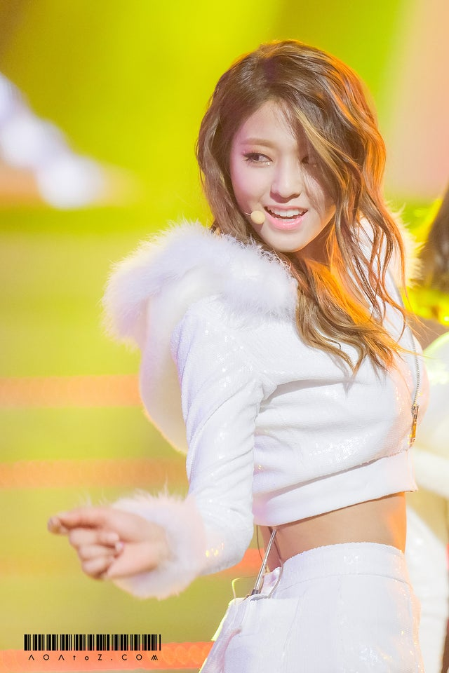 South Korean singer Seolhyun hot photo sexy instagram bikini pictures
