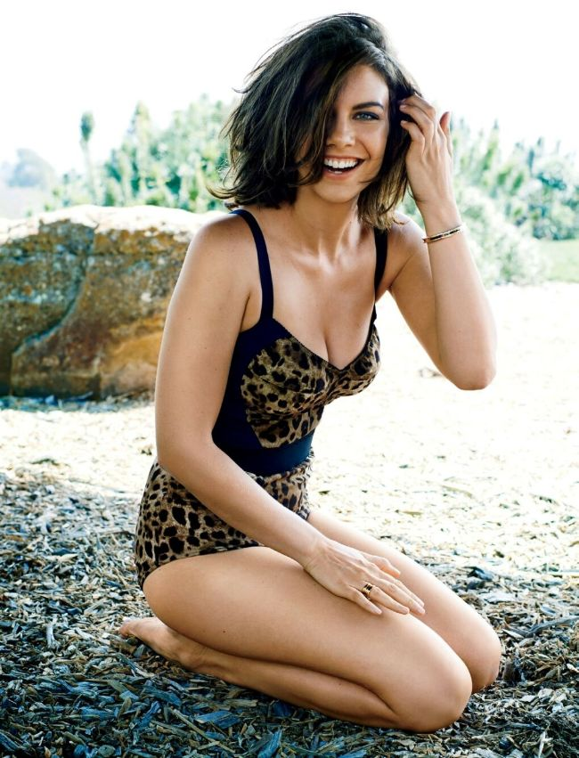 Lauren Cohan hot photos in bikini you should never miss her sexy pics