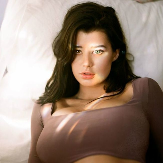 mode lSarah McDaniel hot photos sext instagram bikini pics latest near-nude leaked images